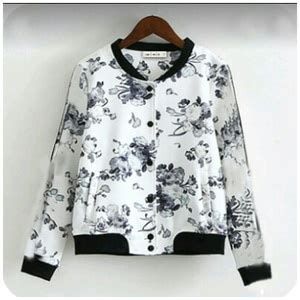 Pocket Rabbit Sweater Lucu Baju Hangat Wanita Jaket Sweater Hudi jaket sweater wanita lucu motif bunga model terbaru murah