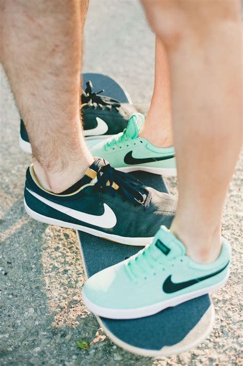 couples nike shoes c couples matching nike shoes www imgkid com the image