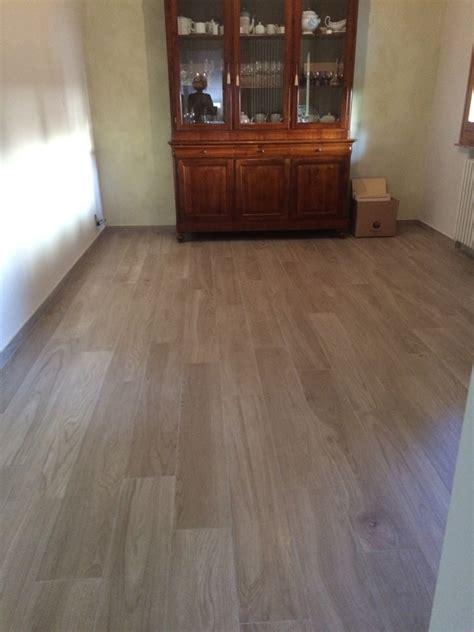 posa pavimento legno pavimento effetto legno idea casa