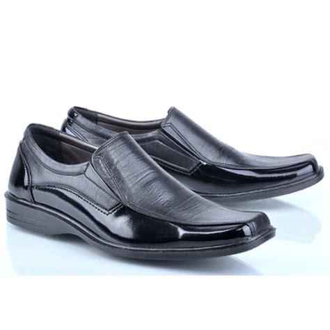 Sepatu Safety Pria Garsel E 176 sepatu pantofel pria toko sepatu kulit sepatu pantofel
