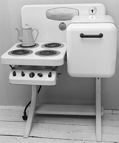 vintage small kitchen appliances electrochef stove vintage kitchen appliance apartment
