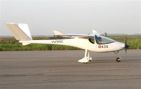 designapplause yuneec  electric airplane