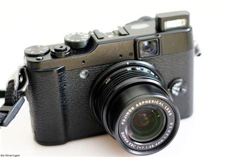 Kamera Fujifilm Finepix X10 Fujifilm Finepix X10 Mit Ausgefahrenem Objektiv Technikblog