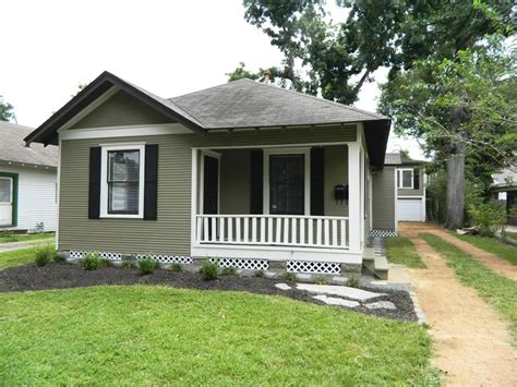 what is a bungalow apartment renovated heights bungalow apartment rich martin homes