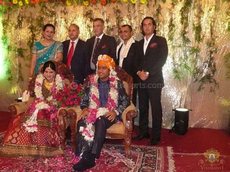 mahendra singh dhoni family childhood image gallery dhoni marriage