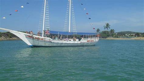 barco pirata buzios passeio de escuna guarapari veja dicas no f 233 rias brasil