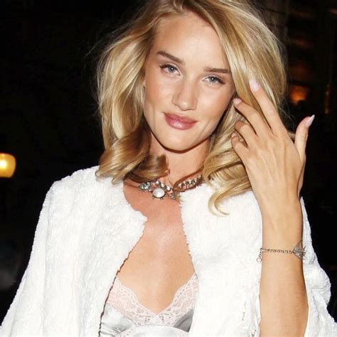 rosie huntington side parted lob 22 best images about haircuts on pinterest deep side