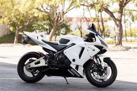 cbr street bike honda cbr600rr argghh please please please someone get