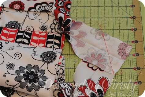 How To Finish Quilt Binding by Quilt Binding Tutorial Finishing Ends Inklings Yarns