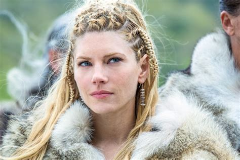 the vikings the show braids how the vikings braids mistress keeps the show s