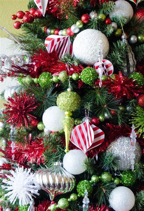 whimsical christmas decorating ideas    year interior god