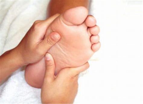 imagenes masajes relajantes pies aceites para aplicar masajes a los pies vida salud y