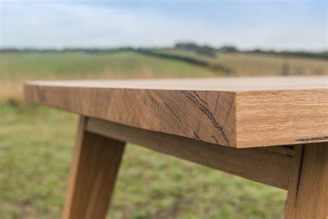 the bancora tapered leg dining table