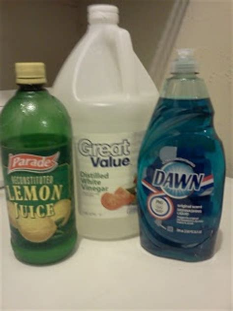 Homemade glass cleaner 1 Tablespoon Vinegar 1/2 Tablespoon