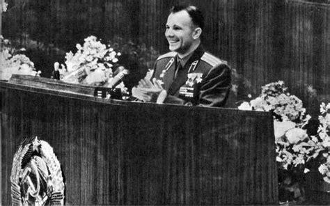 soviet supremo el hombre la yuriesfera