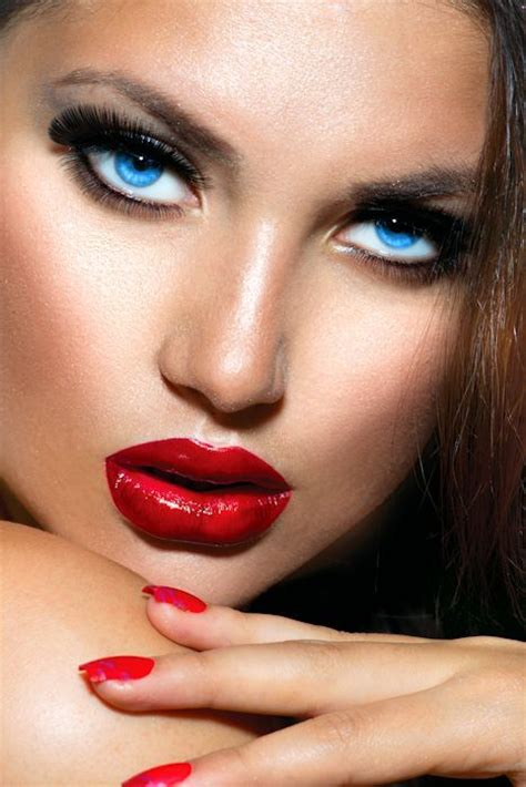 Cross Dresser Makeup by 17 Best Images About Make Up On Gold Nails