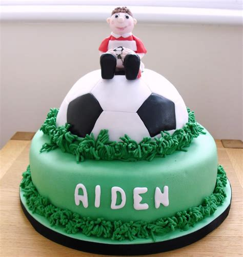football cakes decoration ideas  birthday cakes