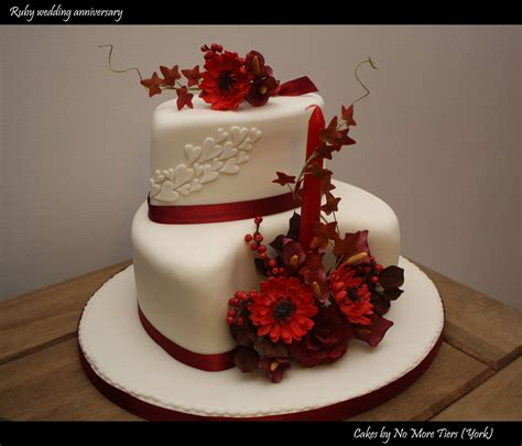 ruby wedding anniversary cake autumnal