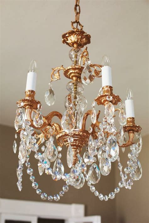 kronleuchter gezeichnet breathe new into an chandelier with this diy