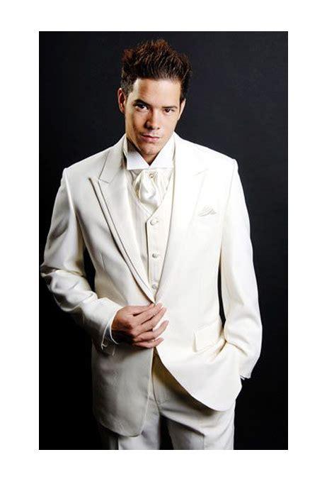 Jas Brutus Rumah Mode model jas pengantin berwarna putih untuk prosesi