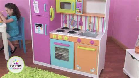 kidkraft grote vrolijke luxe keuken 53100 kidkraft grote vrolijke luxe kinderkeuken 53100 youtube