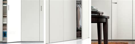maniglie in legno per armadi idee un armadio su misura risparmiare