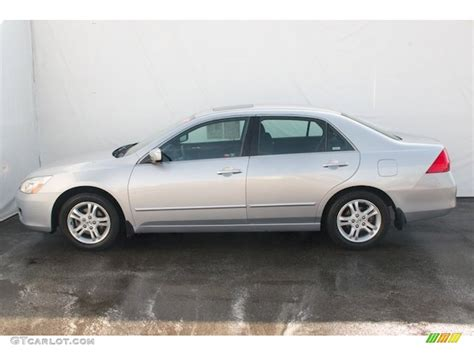 alabaster silver metallic 2007 honda accord lx sedan exterior photo 70612251 gtcarlot