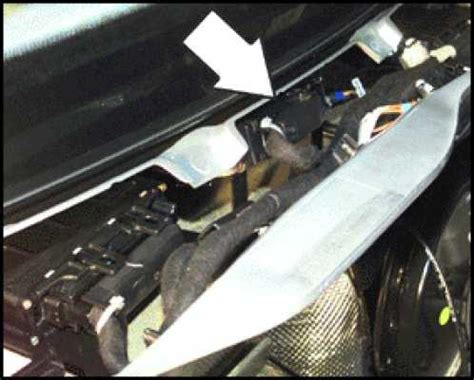 2003 volkswagen new beetle ecu removal where is the ecm located on a 2001 jetta and how do i