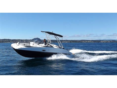 bayliner boats for sale new zealand bayliner deck boat 215 2018 lakeland marine lake taupo