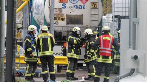 stoffe bergedorf gefahrguteinsatz tankcontainer undicht stoff hoch