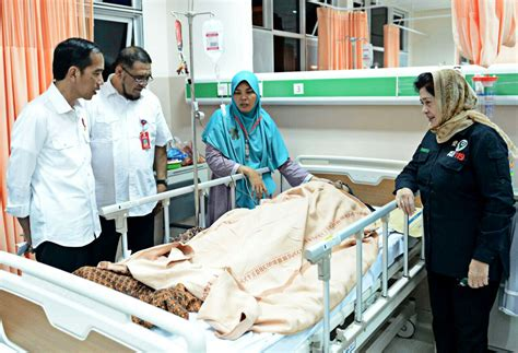 earthquake jakarta post jokowi praises handling of aceh earthquake victims