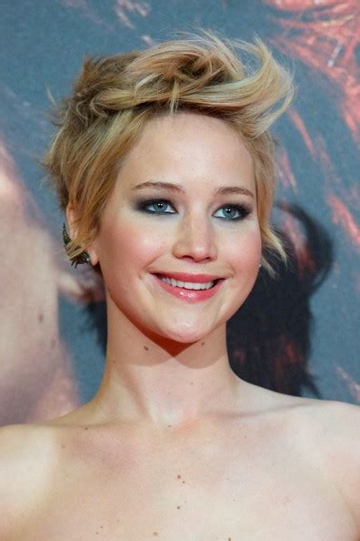 hambre hairstyles jennifer lawrence messy cut short hairstyles lookbook