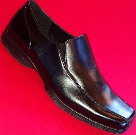 apt 9 loafers new s apt 9 black leather loafers slip on formal