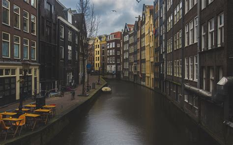 wallpaper  canal buildings