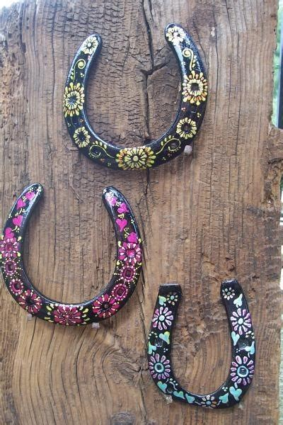 diy horseshoe crafts painted horseshoes 37 horseshoe crafts to try your luck