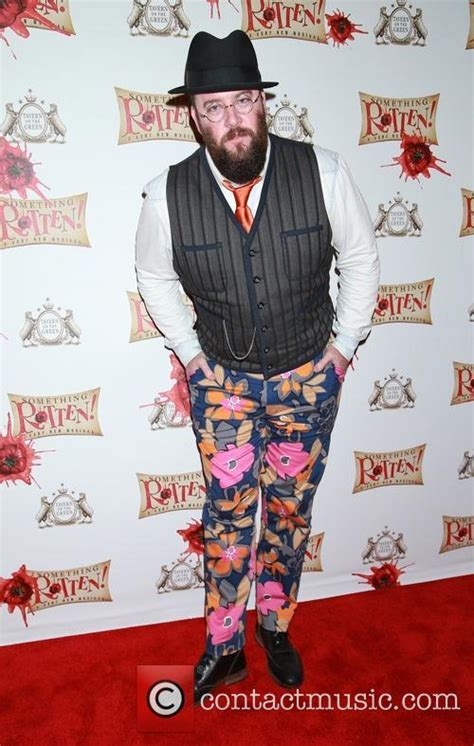 chris sullivan cing and this is us chris sullivan photos and videos contactmusic