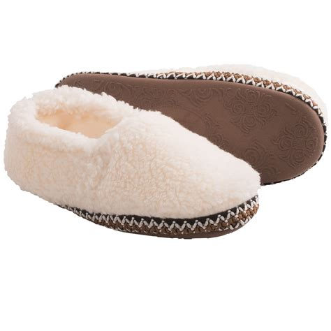 comfy slippers for comfy by daniel green fleece slippers for