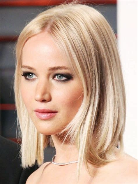 is jennifer lawrence hair cut above ears or just tucked behind the 25 best ideas about jennifer lawrence haircut on