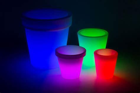 vasi da esterno illuminati vasi esterni vasi da giardino modelli vaso