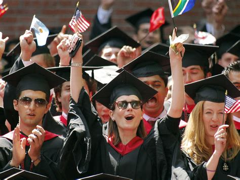 Mba Programs Open To College Seniors by Harvard Business School Graduates Move To Silicon Valley