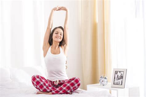 mal di schiena a letto dormire meglio 5 esercizi per il mal di schiena la