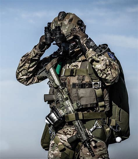 special forces combat gear 1000 ideas about special forces on navy seals special ops and special forces gear