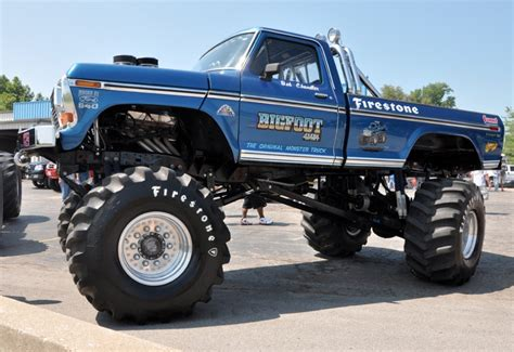 wheels bigfoot monster truck bigfoot monster truck 920 43 thethrottle