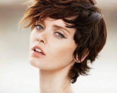 stilo bob risado para seoras las 25 mejores ideas sobre pelo corto con flequillo en