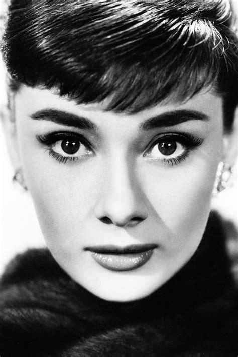 audrey hepburn face shape audrey hepburn 1953 actresses pinterest bangs