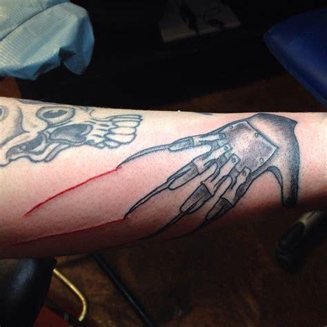 tattoo nightmares michelle a nightmare on elm street freddy krueger glove tattoo
