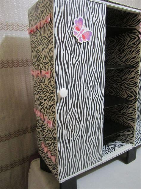 mueble organizador  zapatos hecho de carton