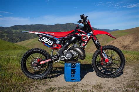 cr fir honda cr 250 r pics specs and list of seriess by year