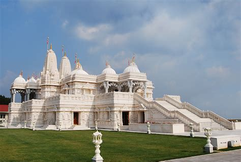 top 20 most beautiful temples in india 21 hindu temples outside india you should not miss to visit