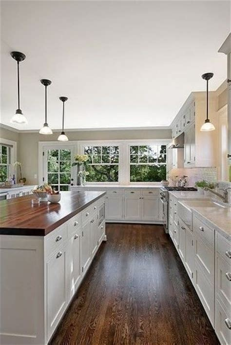White Kitchen Cabinets Wood Floors Hardwood Floors White Kitchen Hardwood Floors